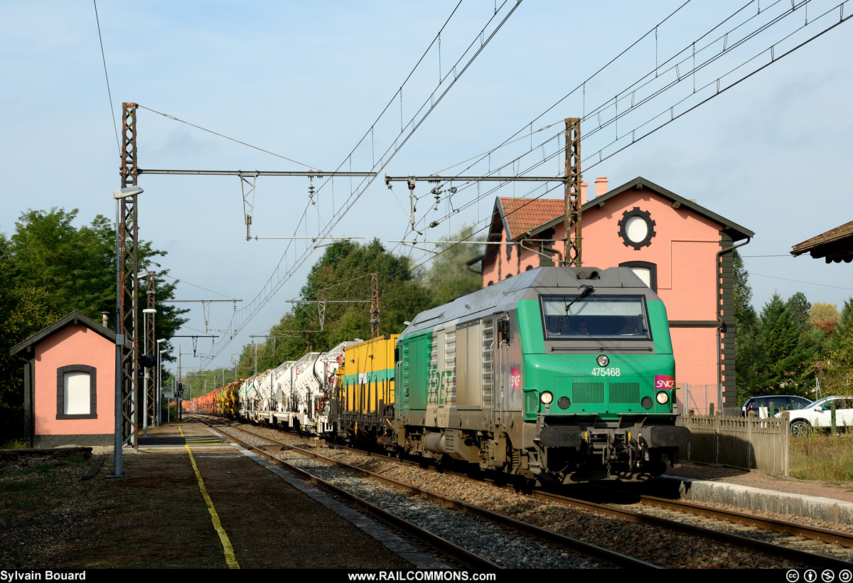 130927_DSC_5931_SNCF_-_BB_75468_-_Polliat.jpg